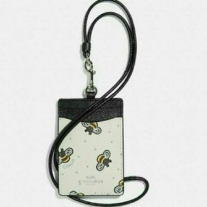 🐝NEW WITH TAGS●COACH ID/BADGE LANYARD 🐝🐝